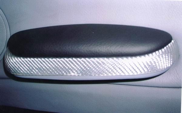... 方向盤 排檔頭 手剎車 頂蓬 汽車內裝改裝/配色/修補